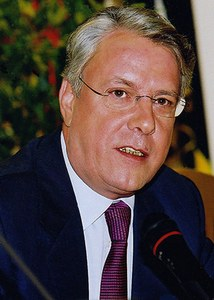 Bernard Anselme –17.  Bernard ANSELME   (né en 1945)   bourgmestre de 2001 à 2006