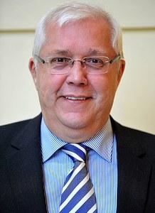 Jacques Etienne –18.  Jacques ETIENNE   (né en 1949) bourgmestre de 2006 à mars 2012